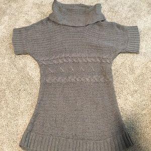 Maternity short sleeve sweater large